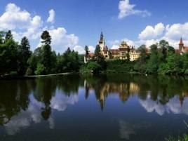 Průhonice - zámek s překrásným parkem (chránění UNESCO)